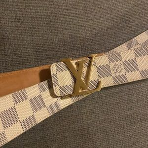 Authentic UNISEX Louis Vuitton LV INITIALES 40 mm